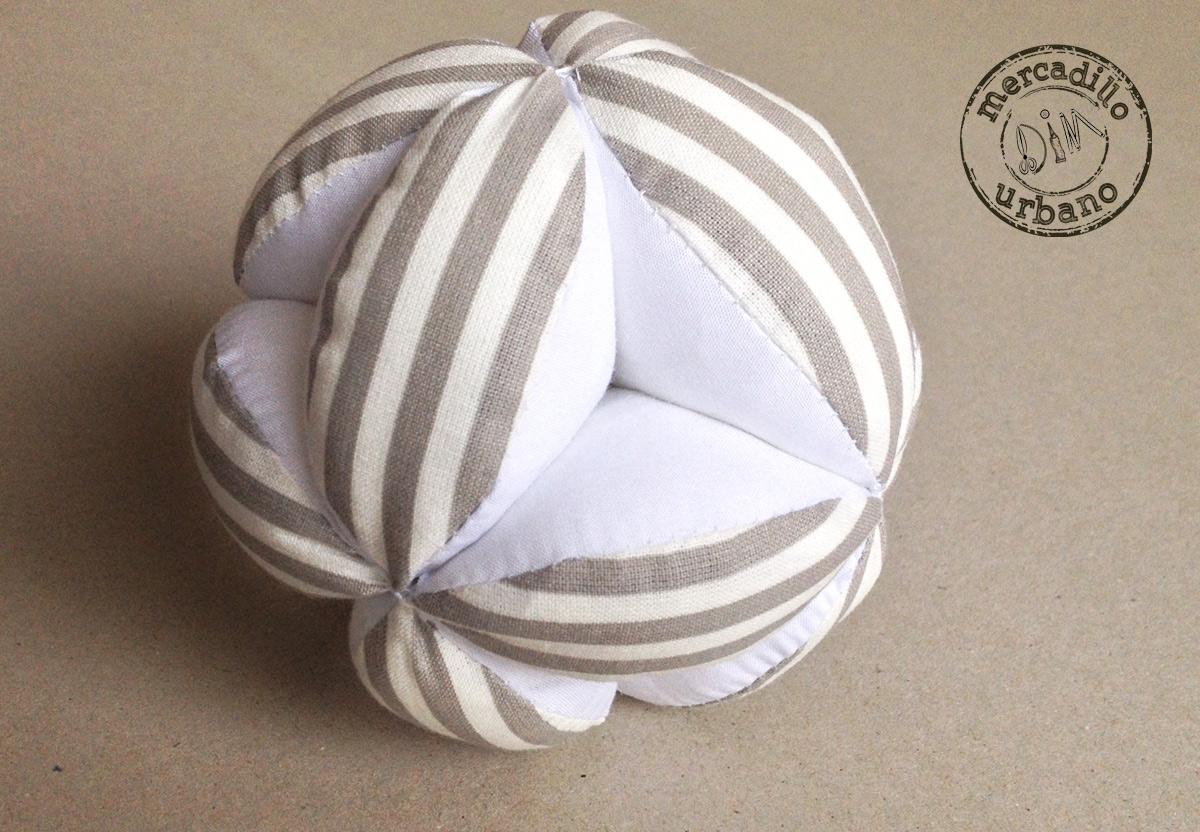 Pelota para bebes Montessori rayas gris y blanco