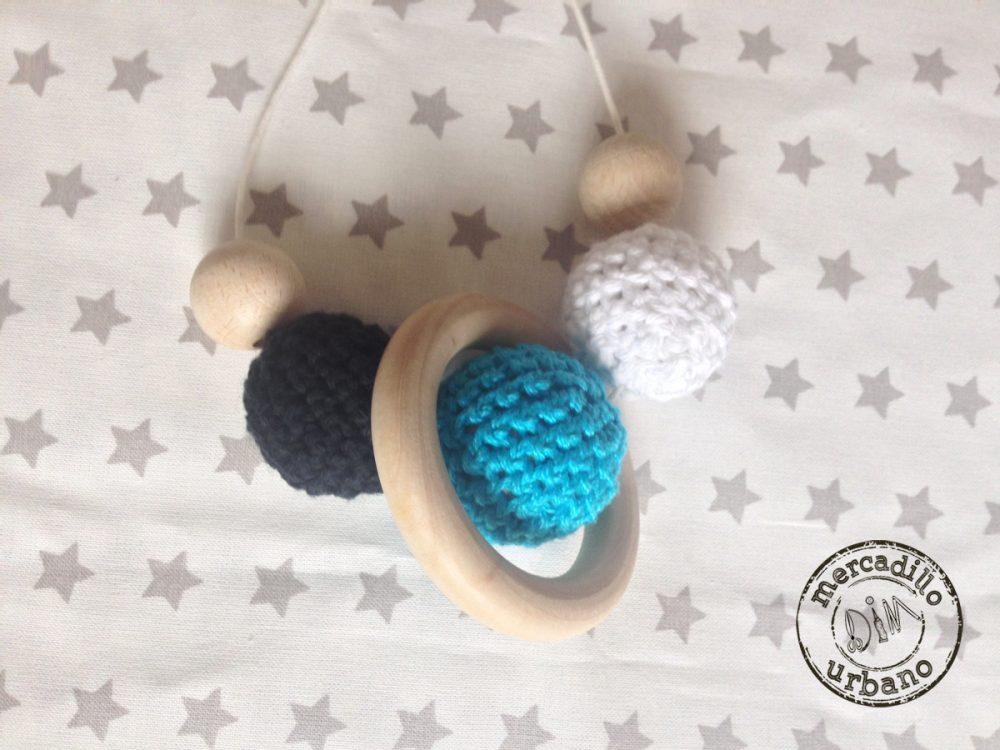 collar de lactancia Montessori para bebes, de madera en blanco, turquesa y gris oscuro