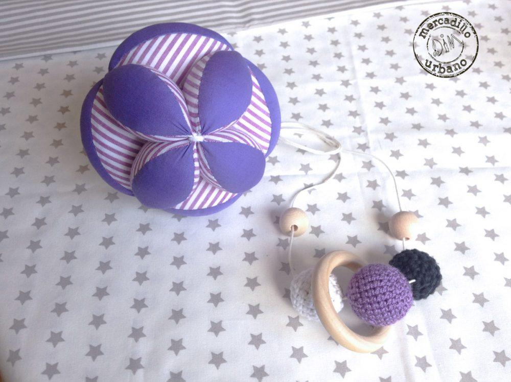 KIT 2 Regalos para bebés, Pelota infantil y collar de lactancia, estilo Montessori, material Montessori, kit Montessori bebé TONOS MORADO